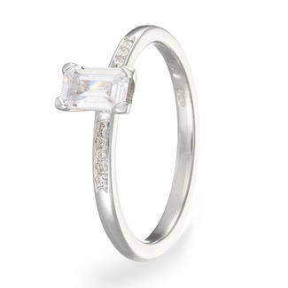 18_carat_white_gold_and_diamond_ring_